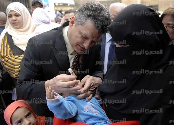 رئيس هيئة اليونيسيف أثناء حملة تطعيم ضد شلل الأطفال، 21 فبراير 2016. - صورة أرشيفية