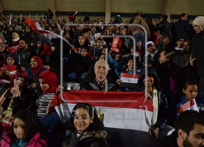 متابعة مباراة مصر وبوركينا فاسو في أمم أفريقيا من استاد الأوليمبي، 1 فبراير 2017. - صورة أرشيفية