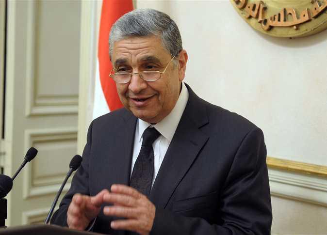 مؤتمر صحفي لوزير الكهرباء محمد شاكر بمجلس الوزراء - صورة أرشيفية