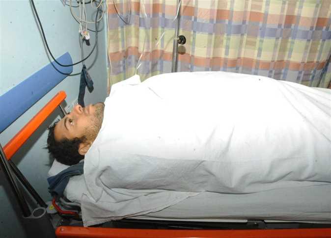 وصول النقيب محمد الحايس إلى أحد المستشفيات العسكرية لعلاجه بعد تحريره من العناصر الإرهابية بمنطقة الواحات - صورة أرشيفية