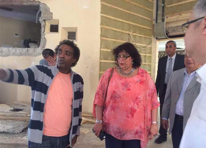 د. إيناس عبد الدايم وزيرة الثقافة تتفقد مشروع تطوير قصر ثقافة شرم الشيخ - صورة أرشيفية
