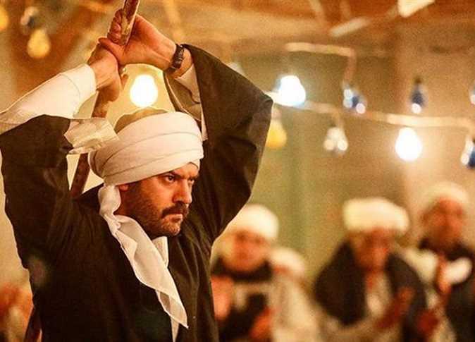نشر  الفنان عمرو يوسف صورة من مسلسل «طايع» الذي يعرض رمضان المقبل - صورة أرشيفية
