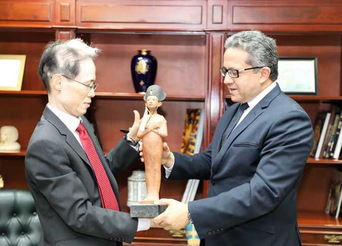 لقاء وزير الآثار بسفير اليابان بالقاهرة بعد توليه مهام منصبه