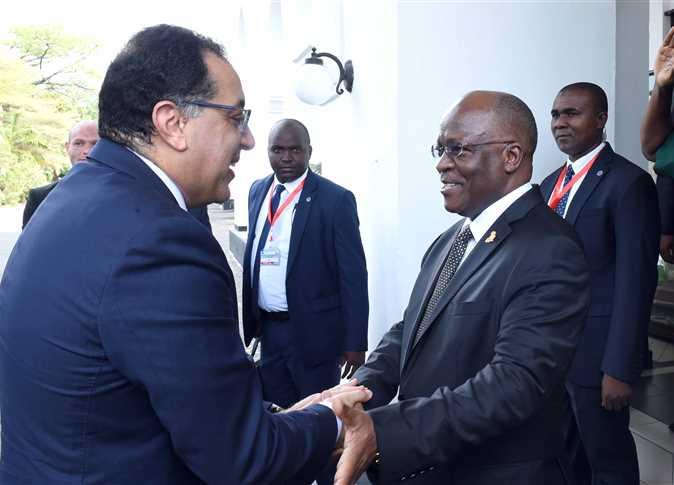 رئيس الوزراء يشارك في احتفالية توقيع عقد إنشاء مشروع سد ستيلجر بتنزانيا  - صورة أرشيفية
