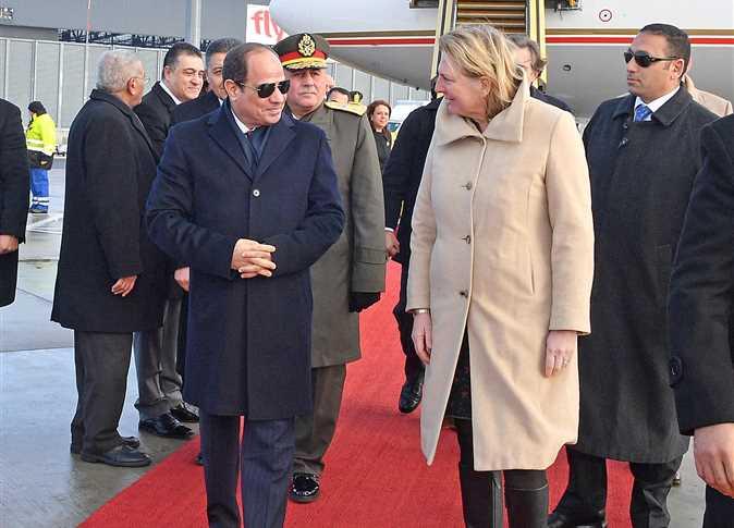 استقبال الرئيس عبد الفتاح السيسي بمطار فيينا