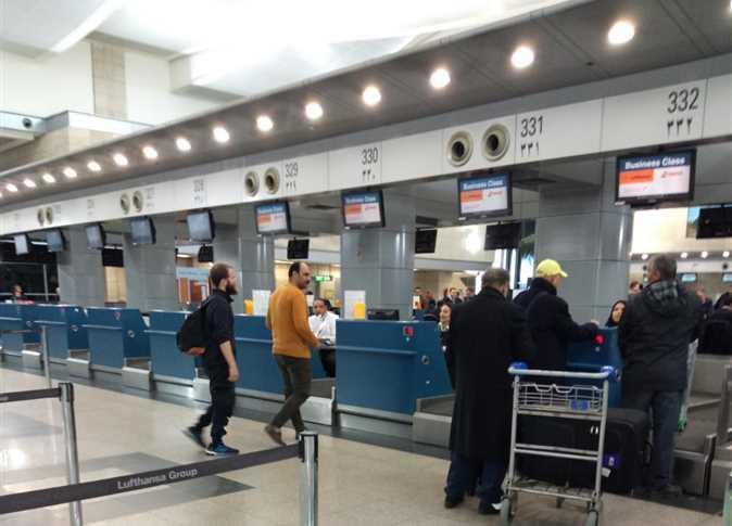 مصر ترحل ألمانيا من مطار القاهرة