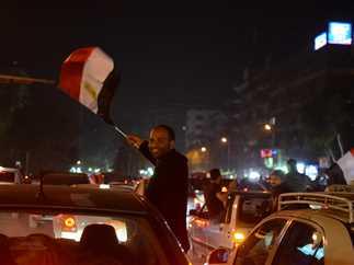 فرحة الجماهير المصرية بفوز منتخب مصر على منتخب بوركينا فاسو، في شوراع المعادي