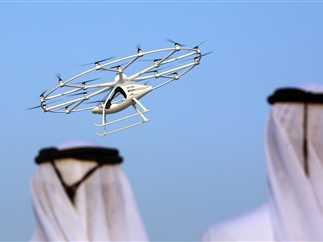 انطلاق أول خدمة في العالم للتاكسي الطائر في دبي