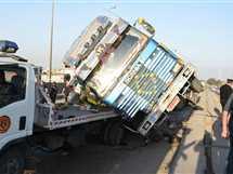 مصرع عامل وإصابة 3 في تصادم سيارتين على طريق «سوهاج- البحر الأحمر»
