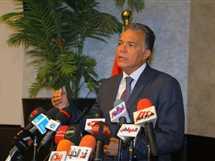 الدكتور هشام عرفات وزير النقل - صورة أرشيفية