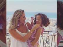 نشرت رشا شيحا شقيقة الفنانة حلا شيحا صورة جديدة مع طفلتها