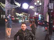 نشر محمد عطية صورة جديدة له في شوارع لندن