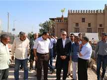 محافظ قنا يتفقد أعمال ترميم قصر الأمير يوسف كمال (صور)