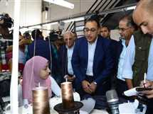 رئيس الوزراء يتفقد المدارس وعدد من المصانع فى بورسعيد
