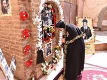 زيارة البابا تواضروس لقبر الأنبا بيشوي