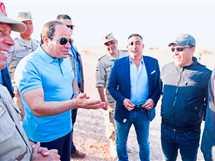 السيسي يتفقد الأعمال الإنشائية لطريق «النفق- شرم الشيخ»