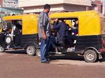محافظ الشرقية يتابع تنفيذ قرار حظر سير التوك توك داخل المدن (صور)