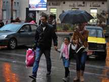 سقوط أمطار غزيرة على شوارع الإسكندرية
