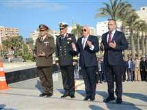 إكليل زهور على النصب التذكاري بميدان الشهداء احتفالا بالعيد القومي لبورسعيد (صور)