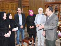 محافظ شمال سيناء يكرم أسرتي شهيدين بالعريش برحلتي عمرة (صور)
