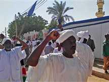 نظم مئات السودانيين مطاهرة احتجاجية عقب صلاة الجمعة، احتجاجاُ على رفع الحكومة سعر الخبز.