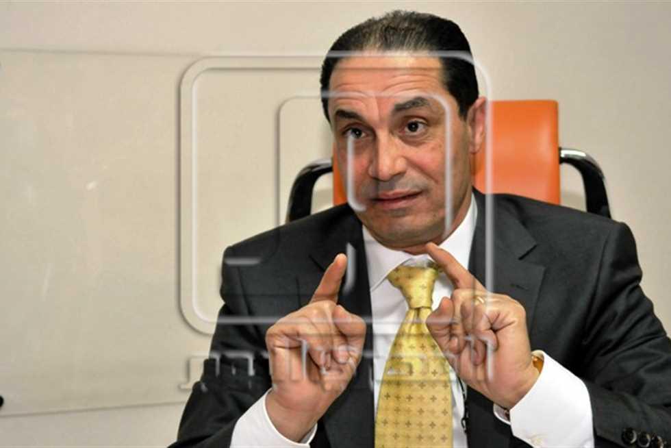 سامي عبد العزيز يدعو مجلس الوزراء لتصوير اجتماعاته وإذاعتها
